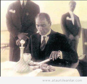 Atatürk ve İngiliz Astsubay