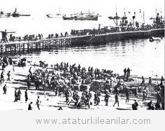 Atatürk'ün İzmir Limanını Terk Etmeyen İngiliz Donanmasının Komutanına Verdiği Tarihi Yanıt